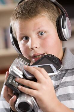 giving your child a mobile device at a young age could have negative effects on your childs learning process