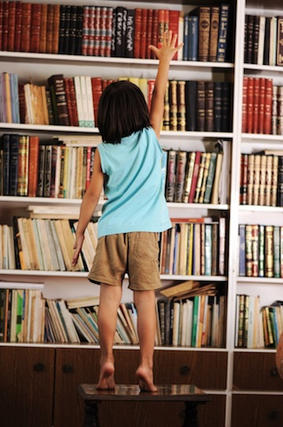 Follow these tips to expose your child to good writing