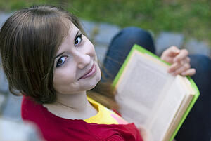 how do you improve reading comprehension in middle school