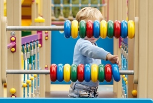 abacus-helps-child.jpg