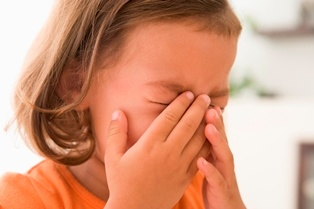 what to do when your child throws a temper tantum